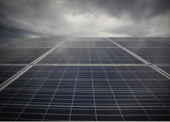Як працюють сонячні батареї в дощ, вночі та взимку